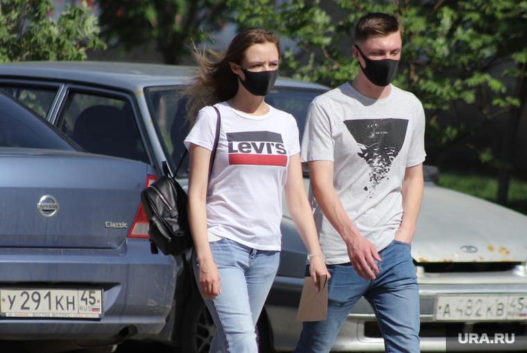 Коронавирус: последние новости 26 июля. В России будет более пяти волн COVID, психологи ожидают всплеск школьной травли