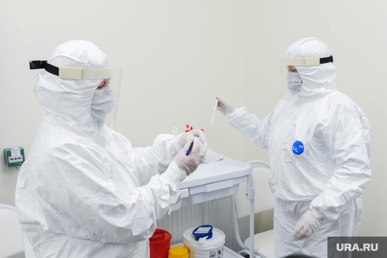 Коронавирус: последние новости 1 августа. Названа возможная дата полного открытия границ РФ, ВОЗ зафиксировала рекордный рост заразившихся