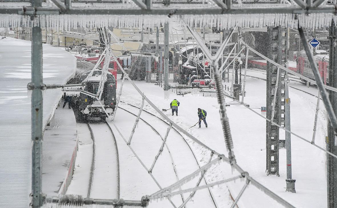 РЖД ограничили отправку грузов в Приморье из-за тайфуна и ледяного дождя