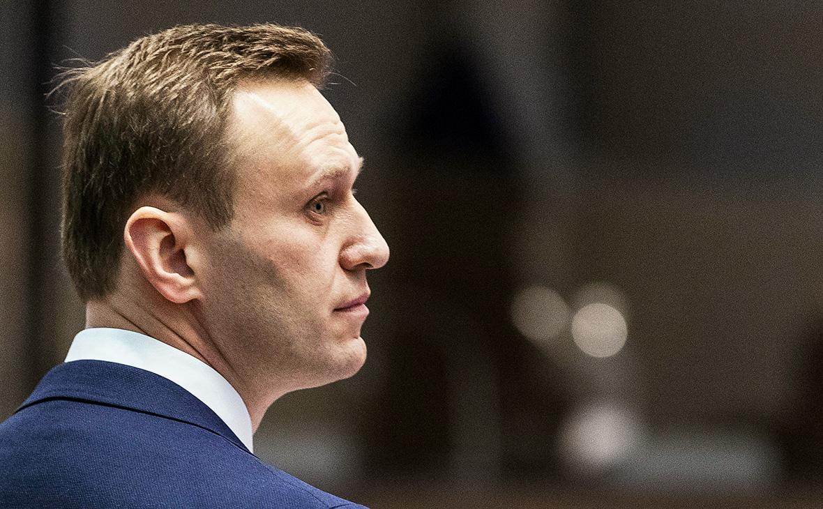 Навальный и глава ФБК подали жалобу на решение об аресте имущества