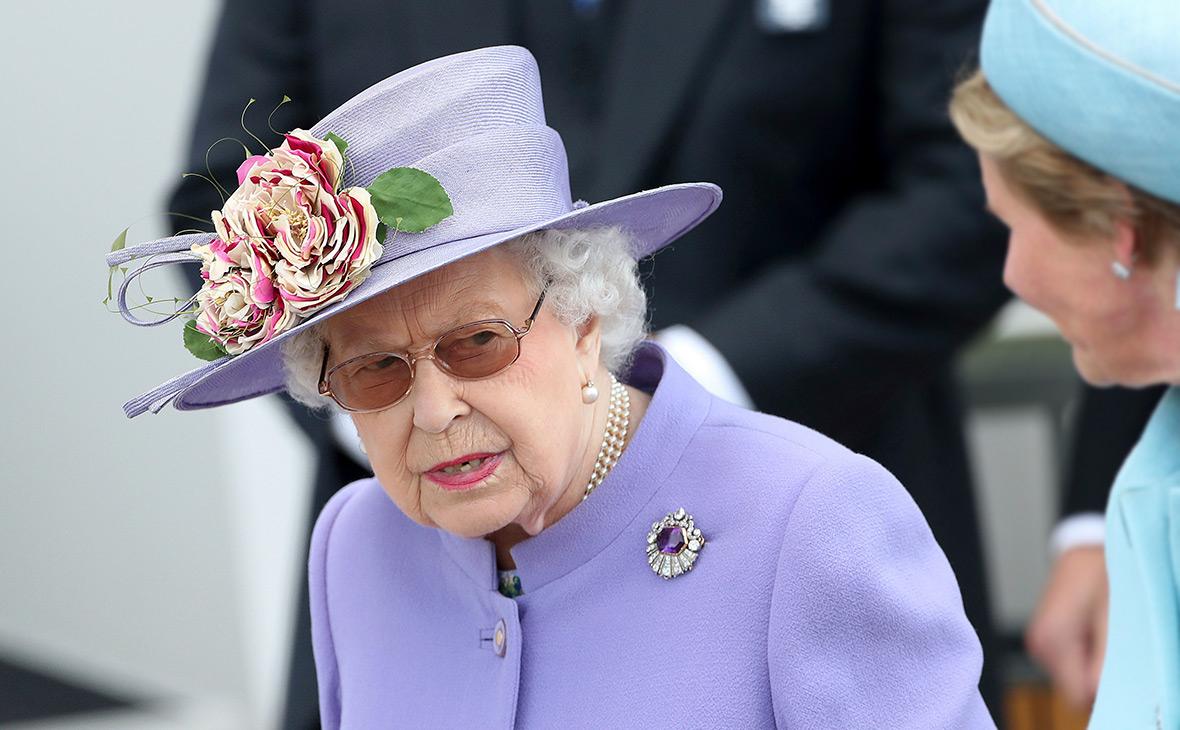 Елизавета II помиловала остановившего теракт бивнем убийцу