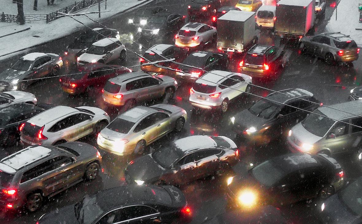 МВД предложило запретить ездить на летней резине зимой