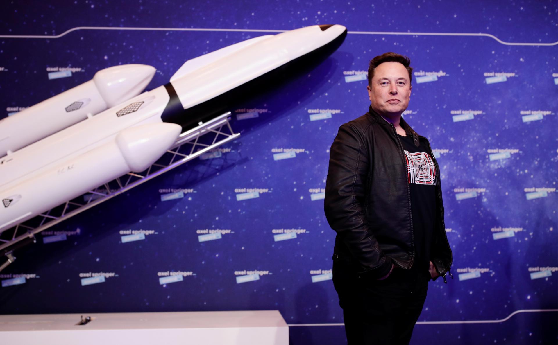 Илон Маск провел исследование иммунитета к COVID на волонтерах из SpaceX