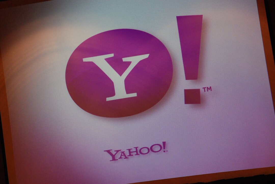Владелец Yahoo продаст активы за $5 млрд
