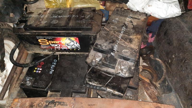 В Вязьме экс-работник автоколонны украл пять аккумуляторов с грузовых автомобилей