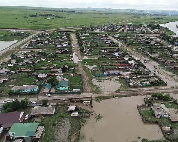 В Забайкалье из-за сильных осадков подтопило более 50 домов: очевидцы делятся кадрами в социальных сетях
