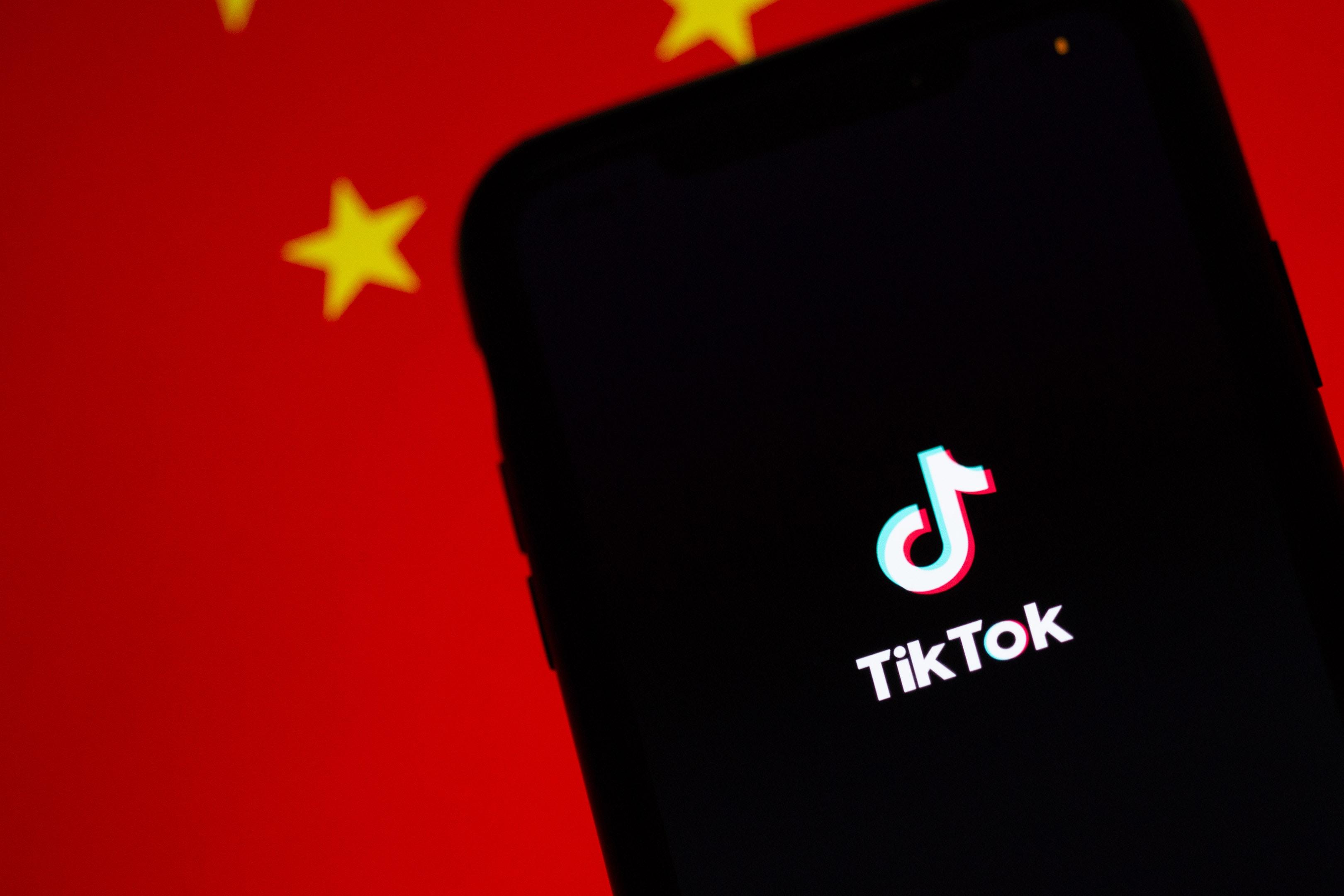 Трамп заявил, что запретит TikTok. Microsoft может купить соцсеть, чтобы спасти ее от блокировки