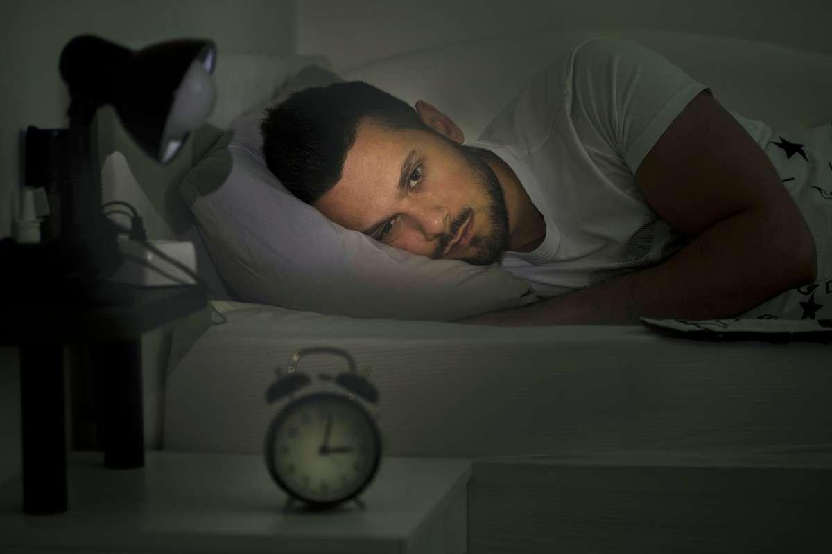 Ученые сказали, как спать, чтобы стать счастливее