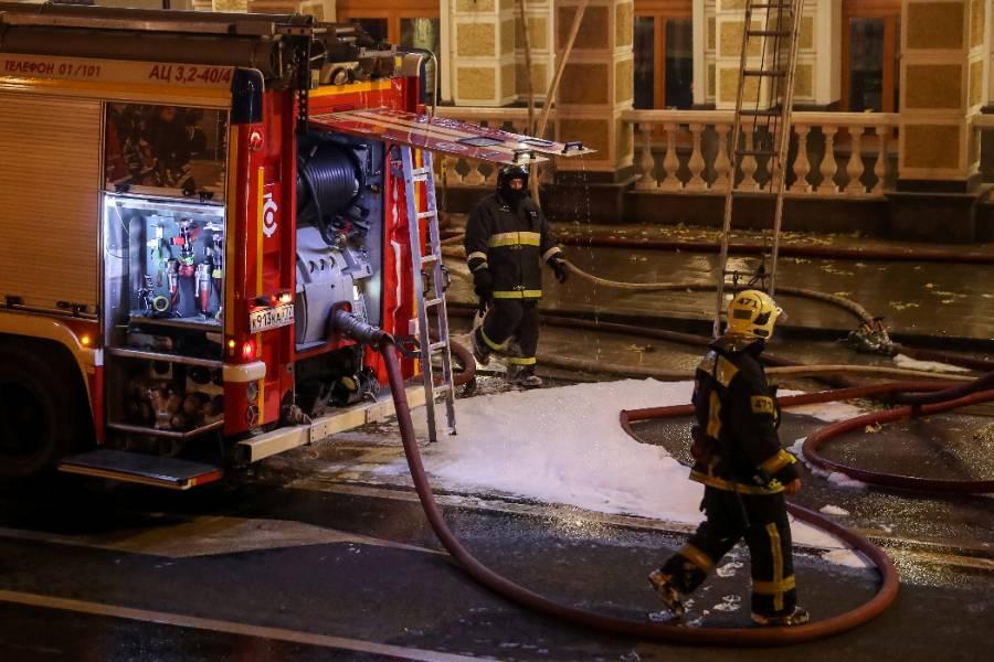 На юго-востоке Москвы вспыхнул пожар в гостинице