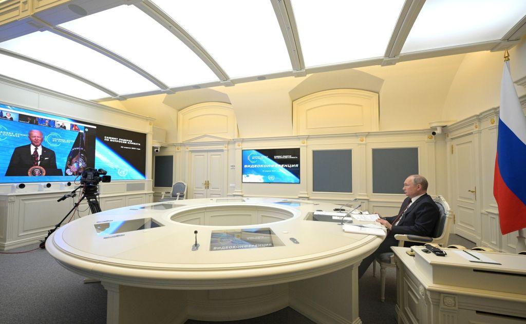 Политолог объяснил, какие вопросы могут обсудить Путин и Байден на их возможной встрече