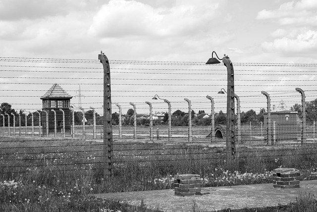 Российское посольство приветствовало высылку из США бывшего охранника нацистского концлагеря