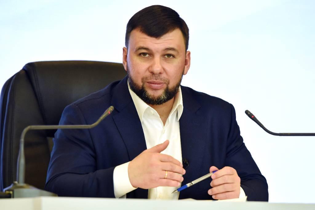 Глава ДНР назвал нелепой просьбу Зеленского взять Украину в НАТО побыстрее