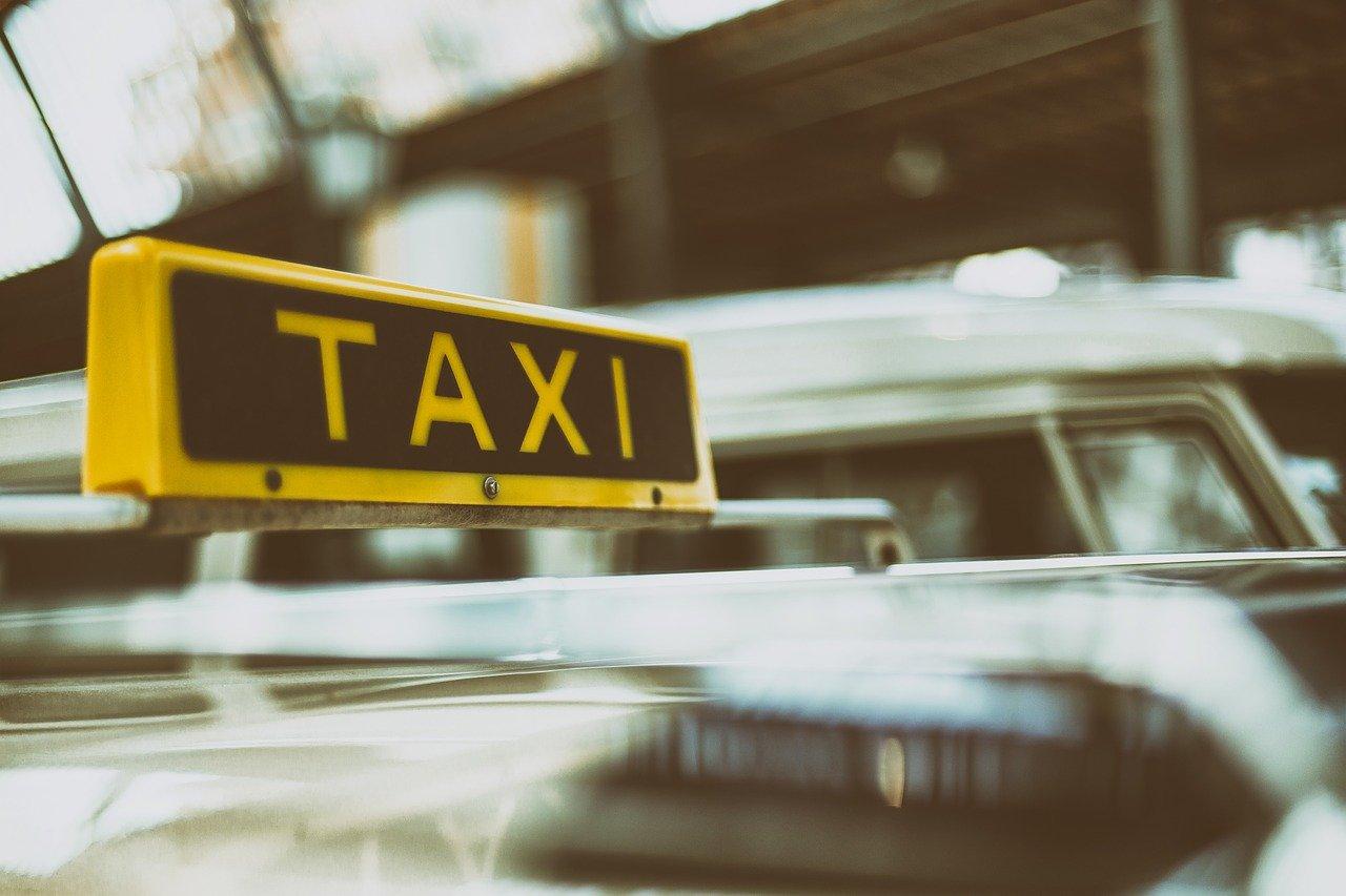 Страховщики предложили на 60% повысить тарифы ОСАГО для такси